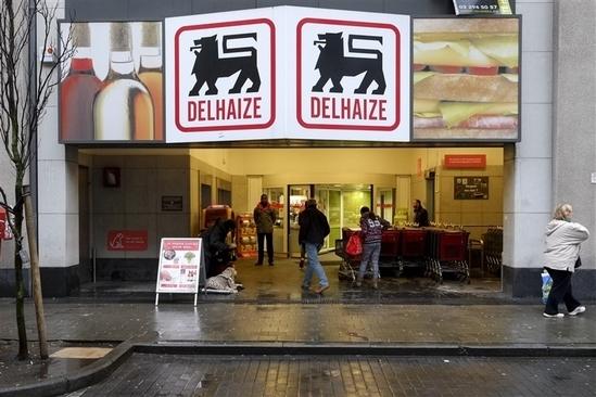 [新聞] 收威脅信後 比利時超市清潔工遭強酸潑面