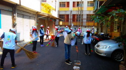 [新聞] 台灣/吳鳳科大服務學習組辦理「掃地、出門!」社區清潔日活動