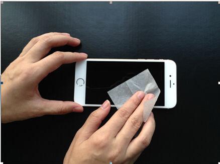 [新聞] 清潔手機屏幕不能用酒精