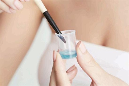 [新聞] 化妝工具也要定期清潔