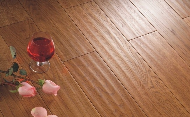 [新聞] 複合木地板清潔有講究