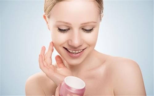 [新聞] 6招徹底清潔肌膚收縮毛孔