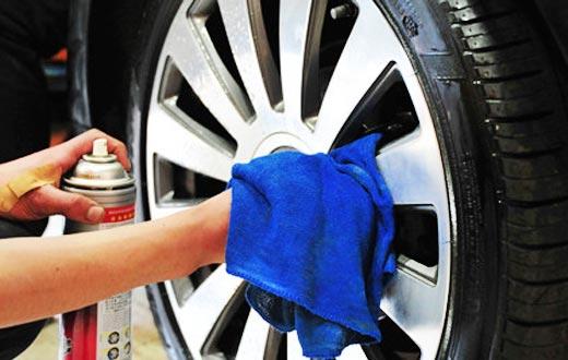 [新聞] 維修保養:輪轂清潔亮如新氣質彰顯細節處