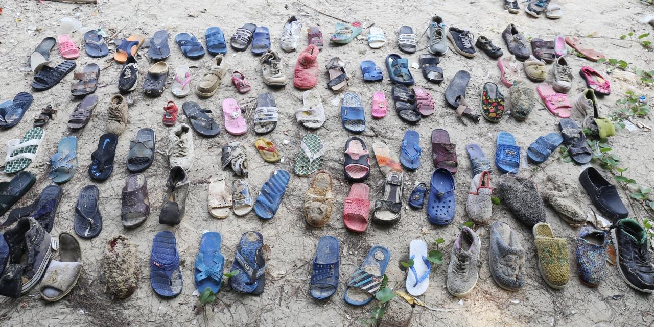 [新聞] 港人自救清潔沙灘 三白灣撿逾百爛鞋、60袋垃圾